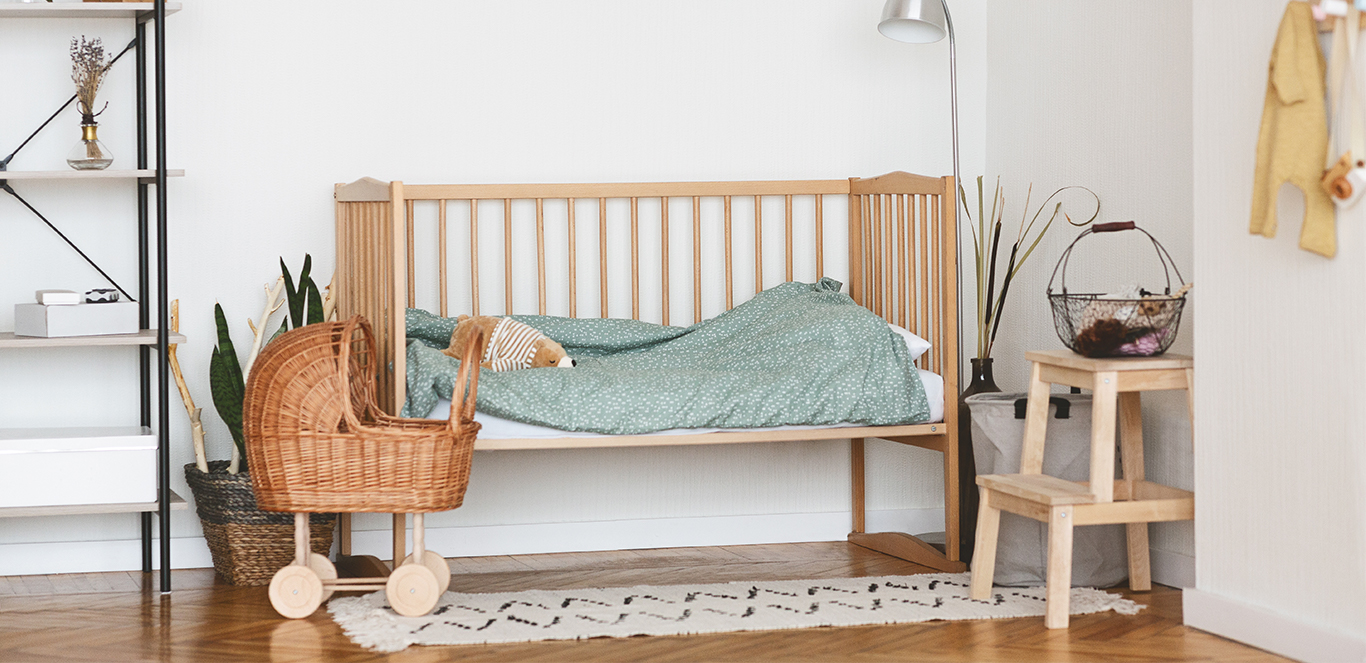 Czym pomalować łóżeczko dziecięce?